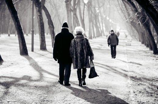 10 sinais de que ele ainda está apaixonado por você depois de todos esses anos